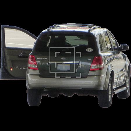 IE-car-with-an-open-door