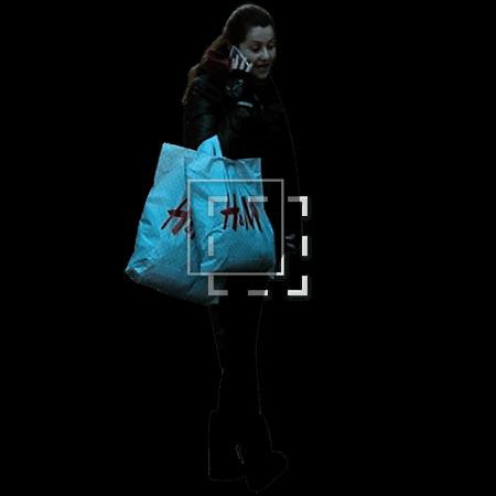 IE-woman-hm-shopper