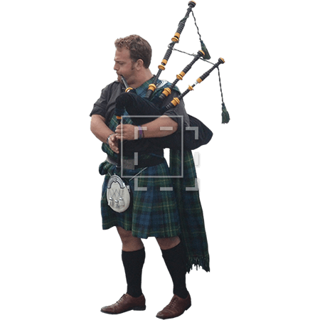 ie-man-playing-bagpipes